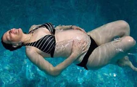Wouldn 39 t you love to float and feel pain and weight free - Can i swim in a pool while pregnant ...