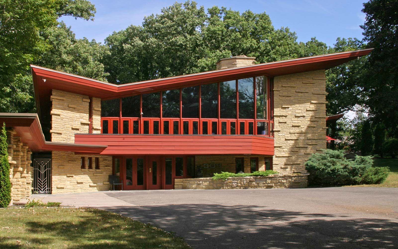 Beautiful Homes by Frank Lloyd Wright