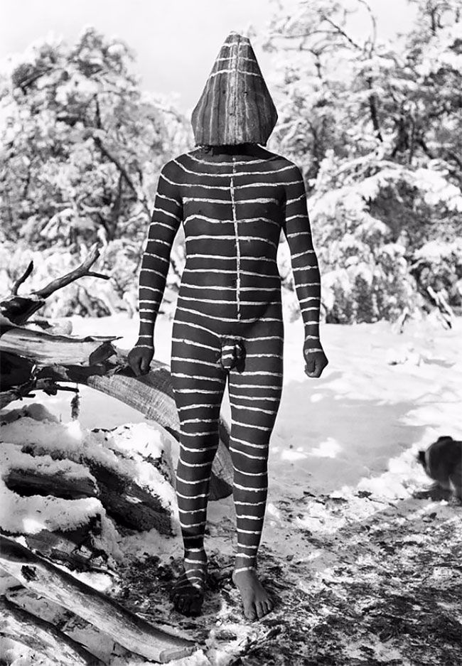 Photo of The Lost Tribes Of Tierra Del Fuego: Rare And Haunting Photos Of Selk'nam People Posing With Their Traditional Body-Painting
