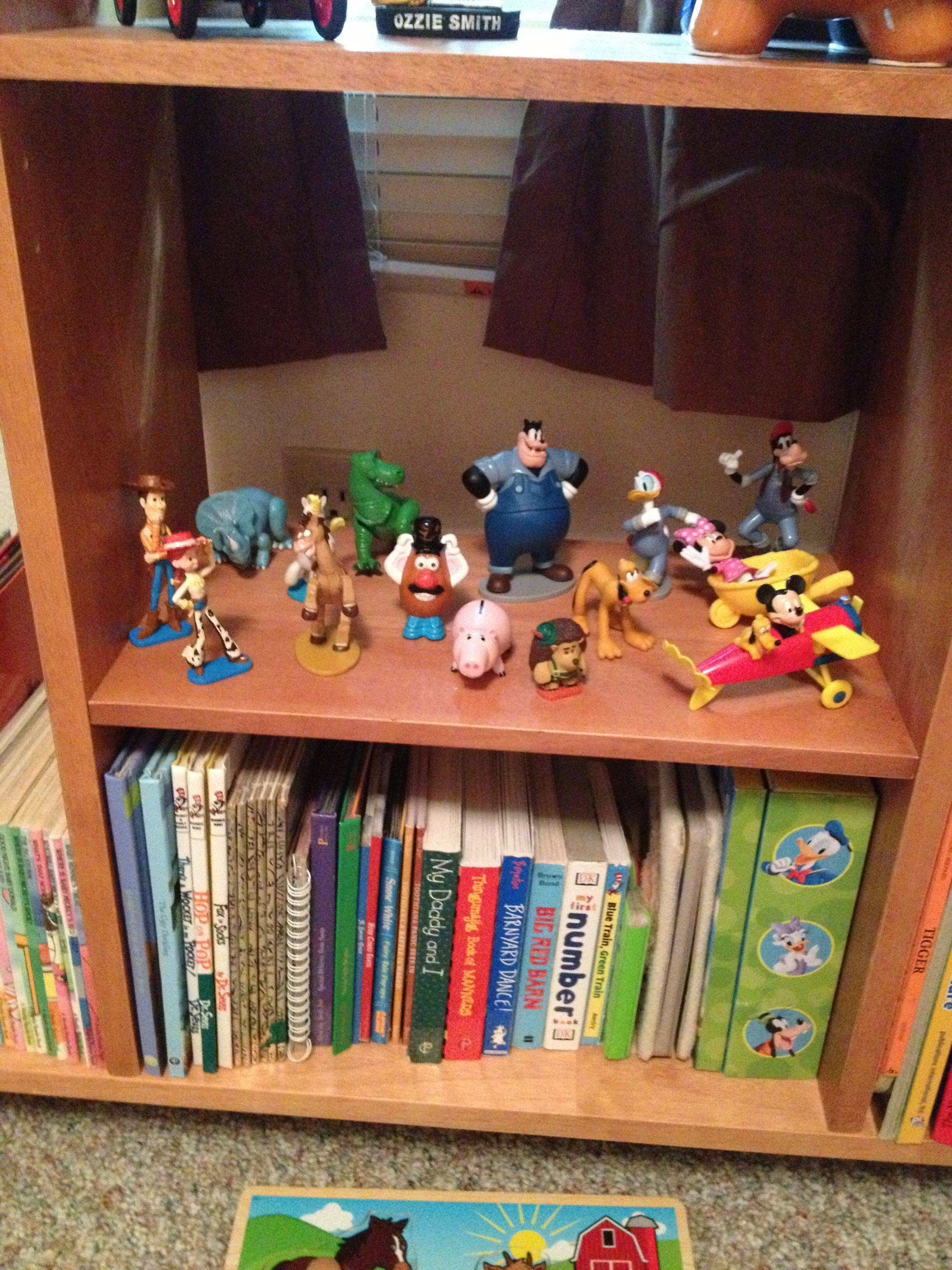 official photos 58558 ac83d Parker's book shelf.... Toy Story & Mickey Mouse Clubhouse ...