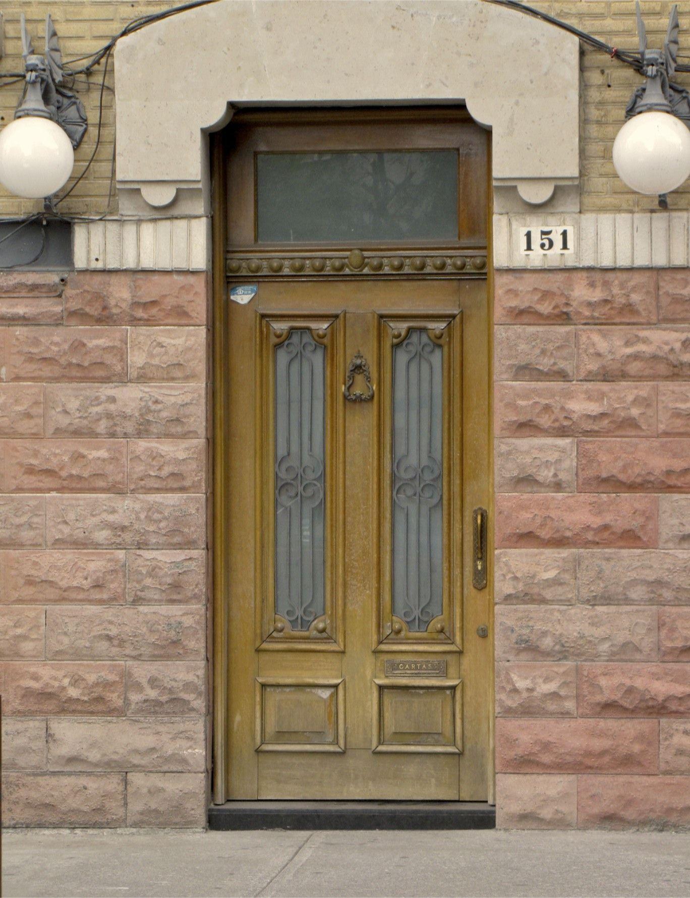 Door in Roma Norte, Mexico City D.F.   Photo by Linda Janse