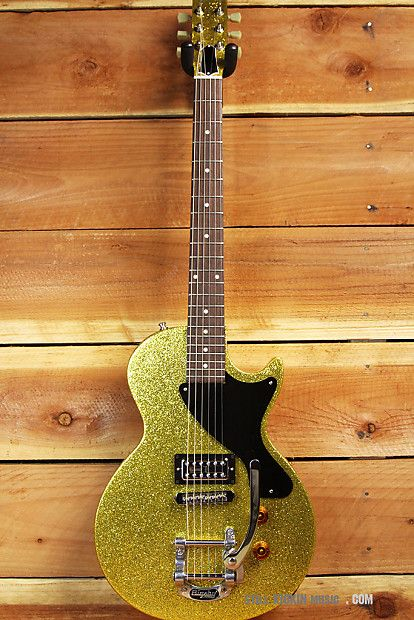 Gibson Les Paul Melody Maker In Rare Gold Sparkle Finish Bigsby Tremolo And Tv Jones Filtertron Pickup Guitar Les Paul Guitar Design