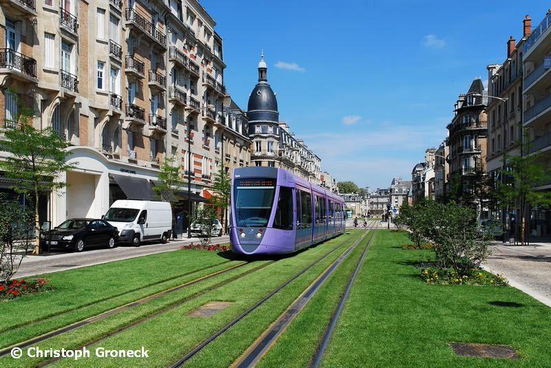 Trams Image By Mikhail Ogorodnikov Reims Eco City Public Transport