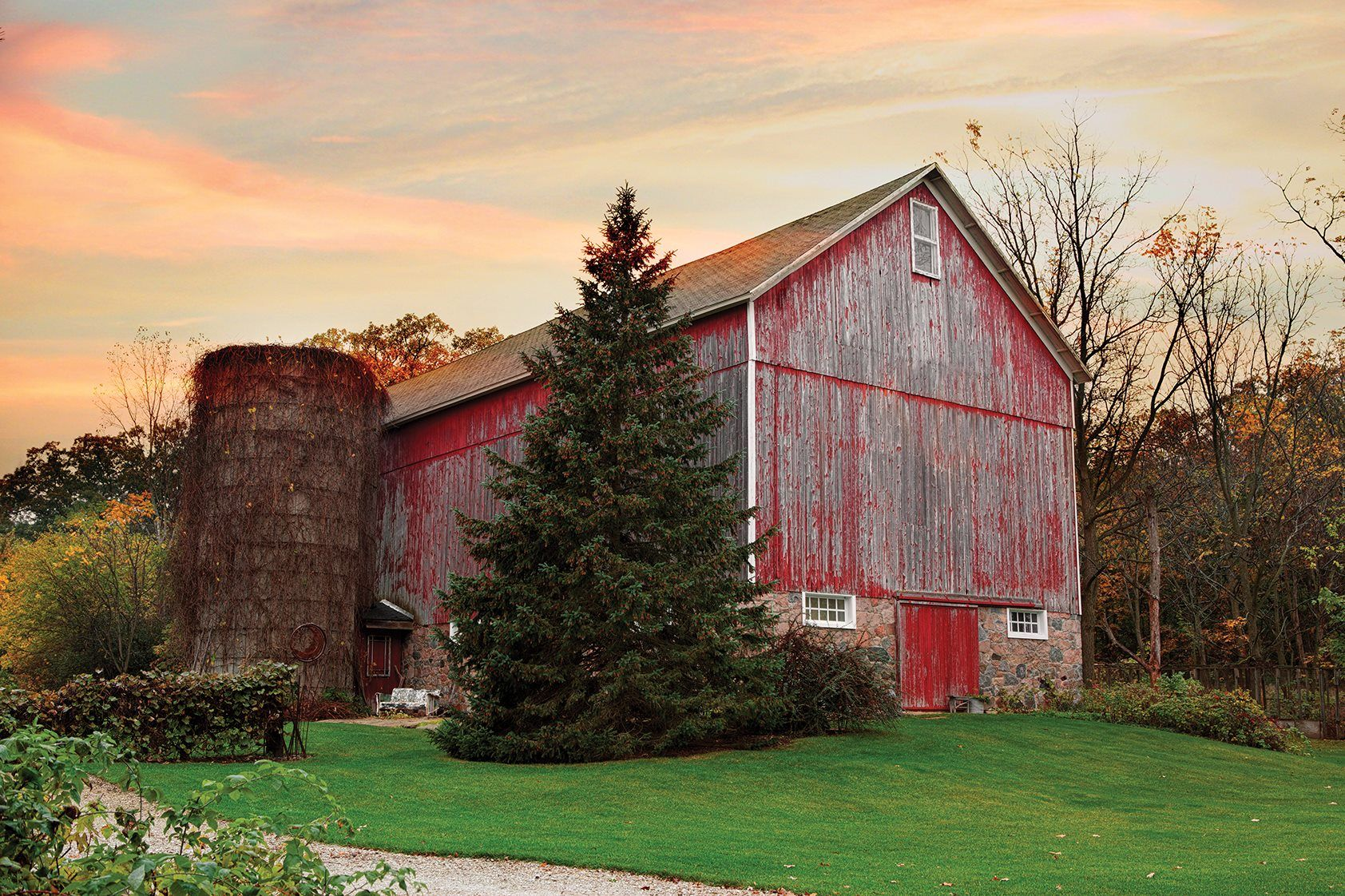 Dover, Wisconsin | Wisconsin wedding barns, Wedding venues ...