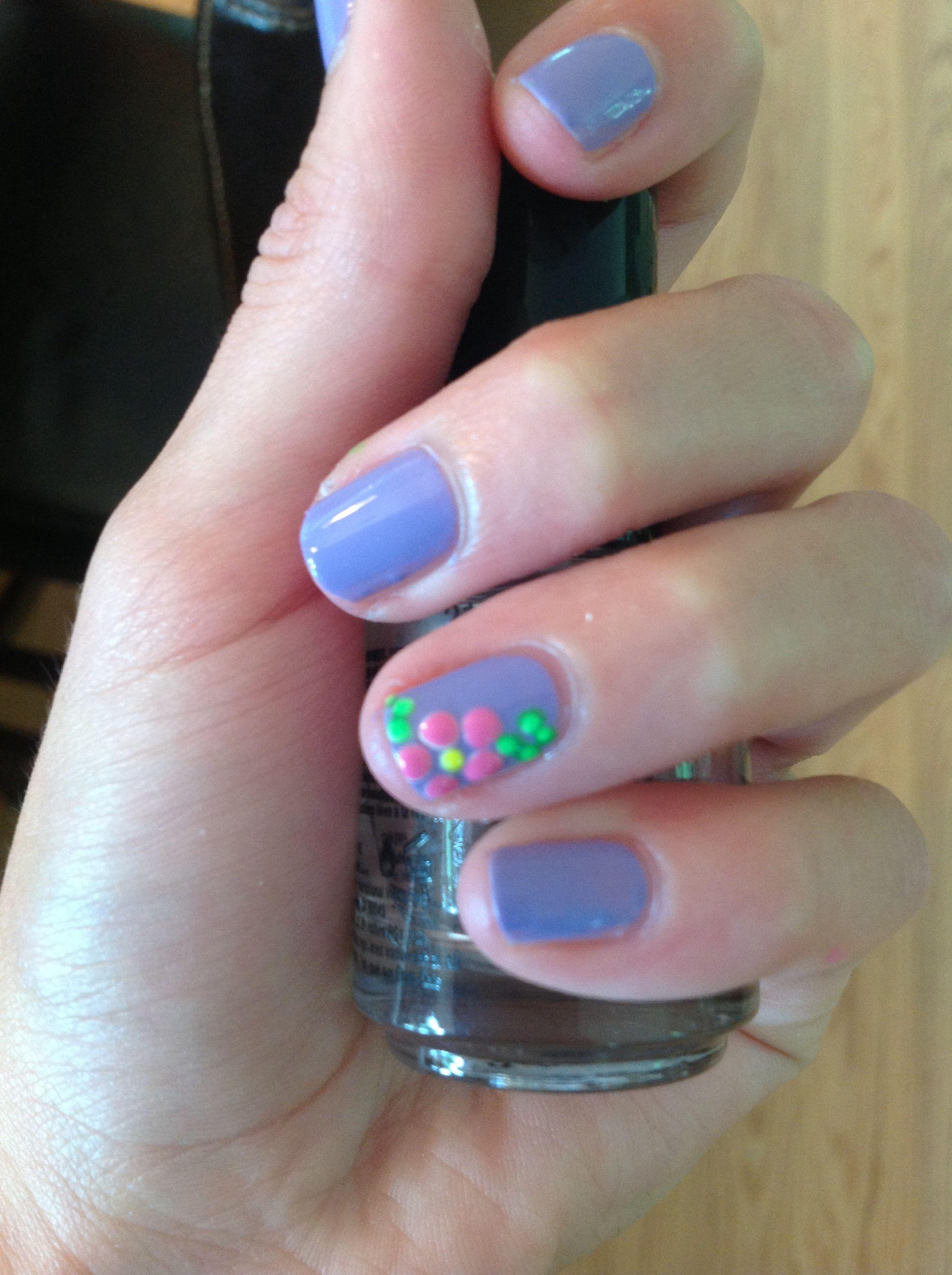 Cute flower nails!