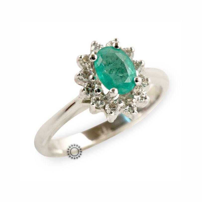 Κλασικό δαχτυλίδι λευκόχρυσο Κ18 ροζέτα με πράσινο σμαράγδι  amp  διαμάντια  μπριγιάν  f7a8b874383