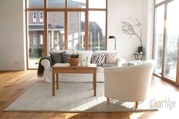 DieartigeBLOG   Wohnzimmer In Weiß, Rose, Grau Und Schwarz, Raumhohe  Holzfenster, Eichenparkett