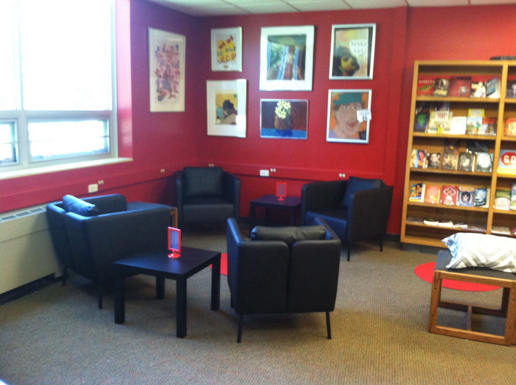 Attirant Ikea Furniture In The Reading Corner At South East Junior High Library, Iowa  City.
