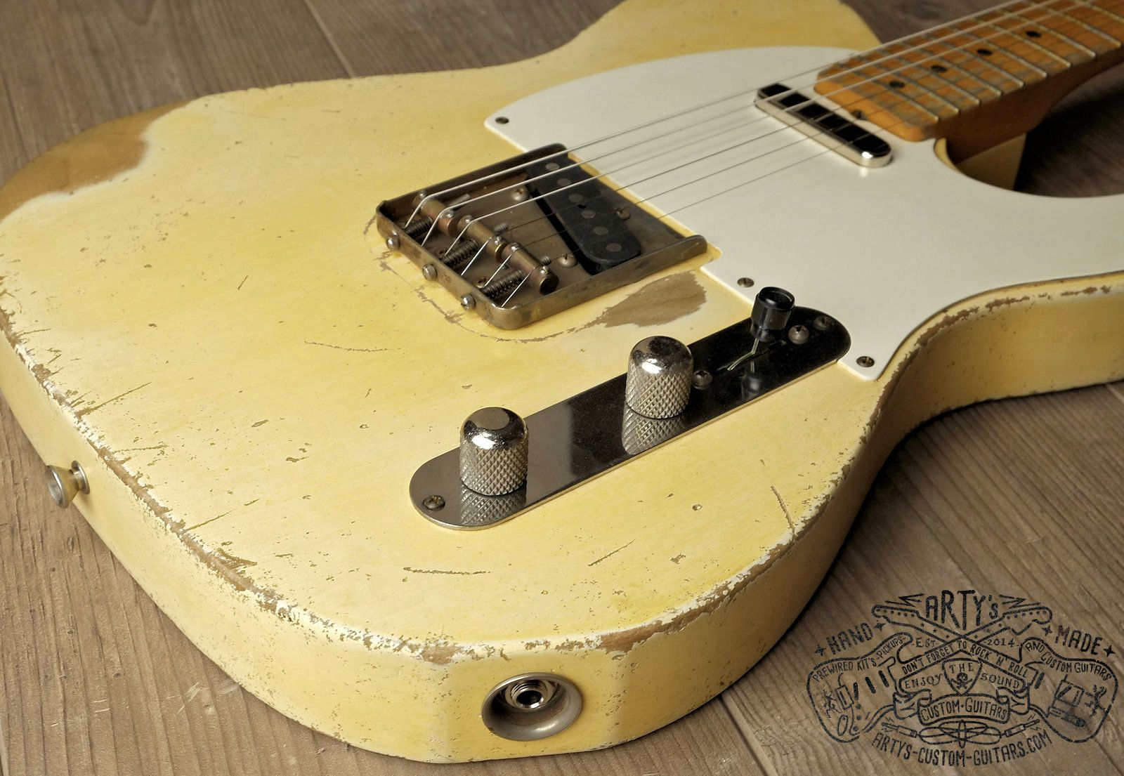 vintage blonde 1958 telecaster maple neck alder body nitro finish relic aged arty s custom guitars blond 58 tele [ 1600 x 1105 Pixel ]