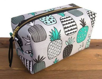 48 Ideas For Diy Makeup Gifts Box Cosmetic Bag 48 Ideas For Diy Makeup Gifts Box Cosmetic Bag Diy Bag and Purse diy makeup bag