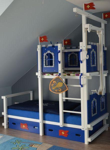 hochbett bei dachschr ge maila kinderzimmer pinterest dachschr ge hochbetten und kinderzimmer. Black Bedroom Furniture Sets. Home Design Ideas
