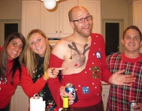 27 Funny Awkward Family Christmas Photos Christmas Photos Ugly