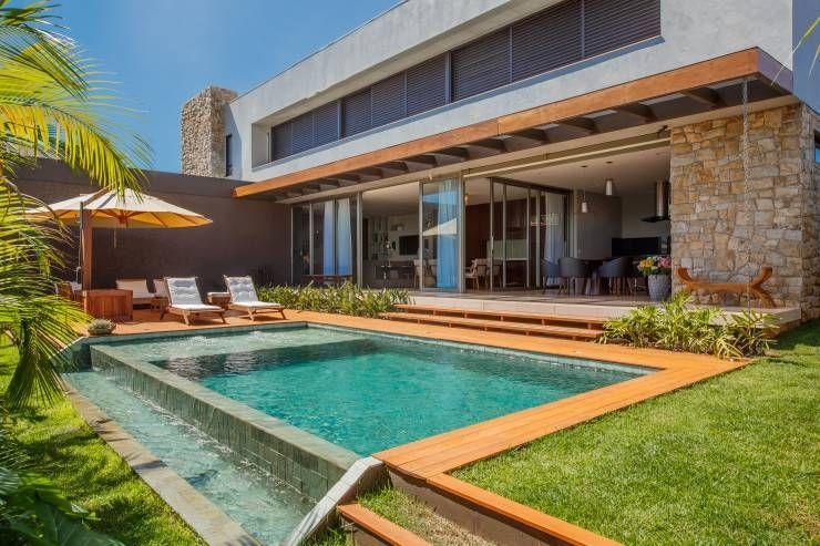 Piscina piscinas modernas por wtstudio casas de campo for Casas de campo modernas con piscina