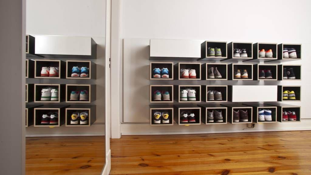 Fotos van een minimalistische gang hal & trappenhuis door kaem