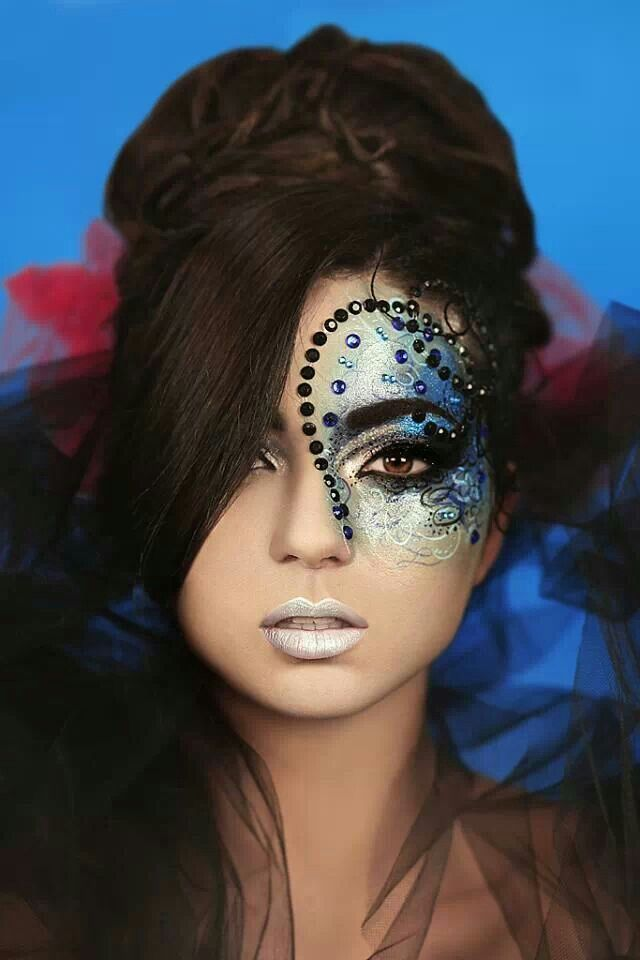 Extreme eye makeup. Fantasy face makeup. Amazing lip ...