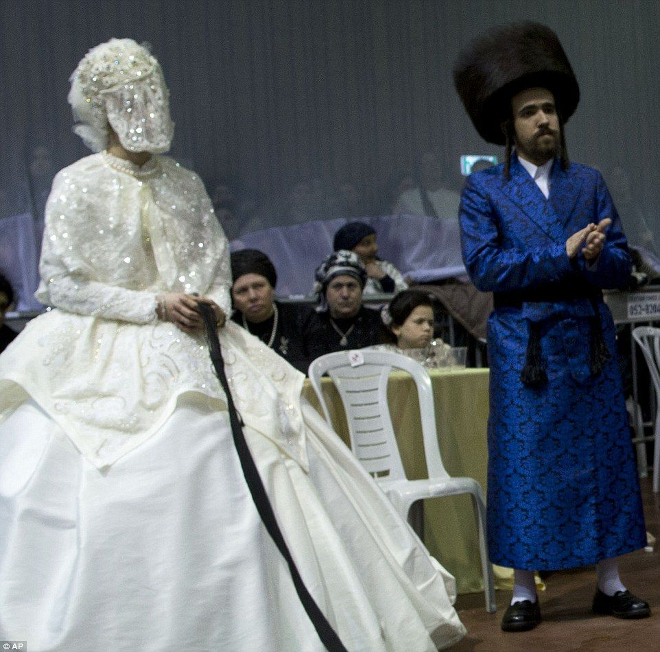 UltraOrthodox Jewish bride marries in front of thousands