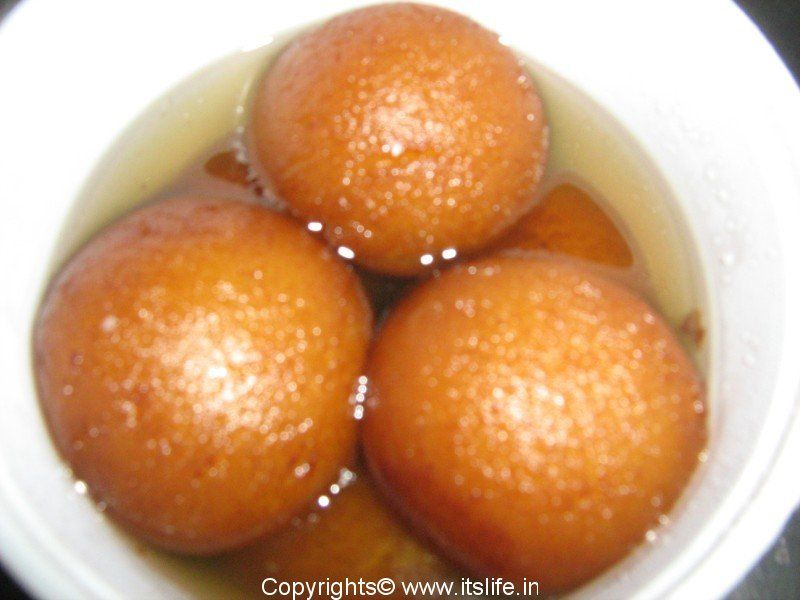 Gulab jamoon sweet things pinterest indian sweets arabic the dish is originally adapted from an arabic dessert forumfinder Choice Image