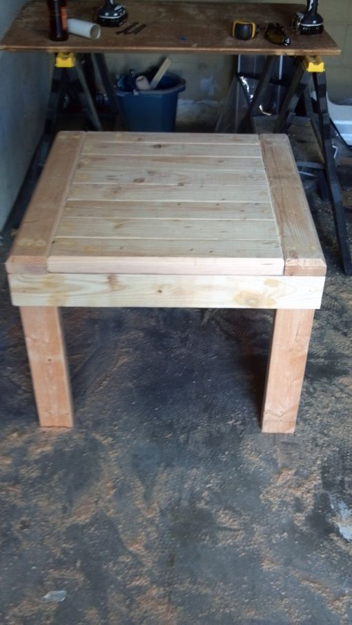 Style Of DIY 2x4 End Table I need a couple of these Modern - how to make a wooden table