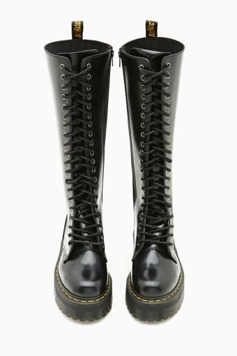 Britain 20 Eye Boot By Dr Martens Oh My God I Want It Boots Black Suede Boots Shoes
