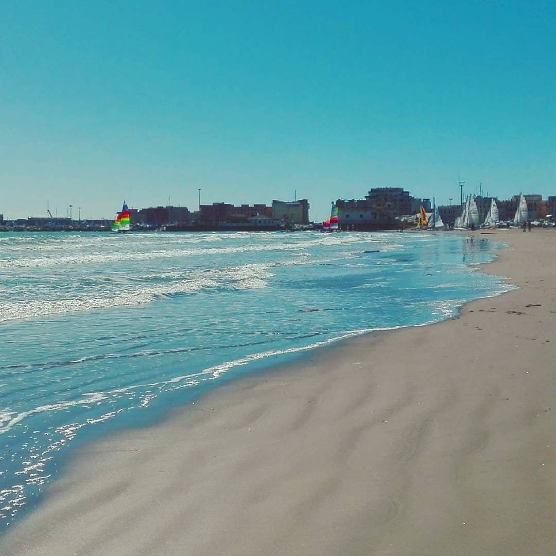 #Anzio #barcaavela #vela #mare #sea #riva #spiaggia #beach #nature #colors #beautiful #sailboat #instasailboat #boat #domenica #relax #instaphoto #instamare #instanature #instasea #instarelax #anziovibes by stella66sca