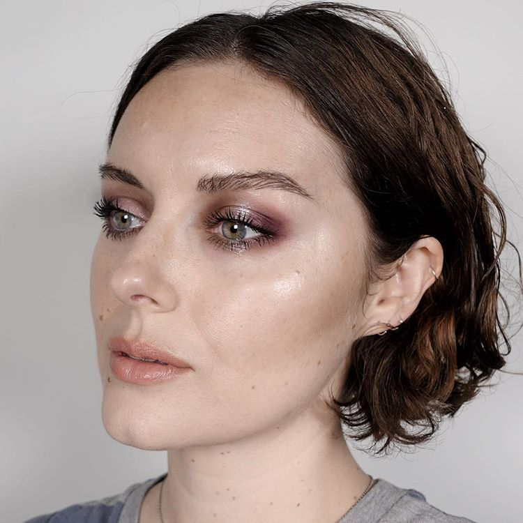 Plummy Halo eyes from an Instagram live this am. I used @fionastiles Electra Palette in eyes with @narsissist Callisto Eyeshadow in the center. @ctilburymakeup Very Victoria lipstick and @narsissist Stripped Velvet lip glide over.