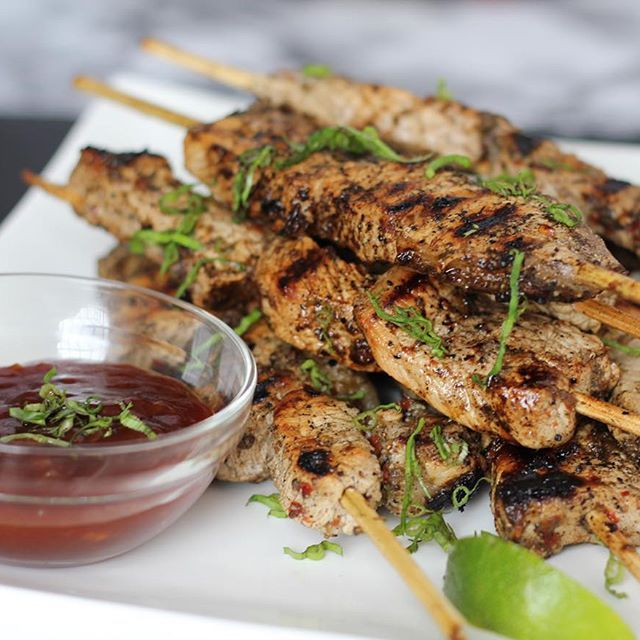 Jerk pork skewers with a garlic guava dipping sauce  oink - oink - pig - pig! Sorry y'all I know everyone doesn't eat swine but for those who do this is for you! (Inspired by Nigerian Suya) Lawddddd I need some veggies this week Live now on seasoningbottle.com  #dopegirlscook #seasoningbottle #pork #swine