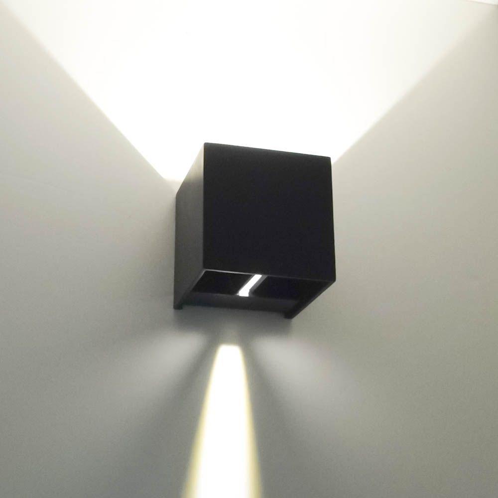 Applique murale noire LED design Cubic