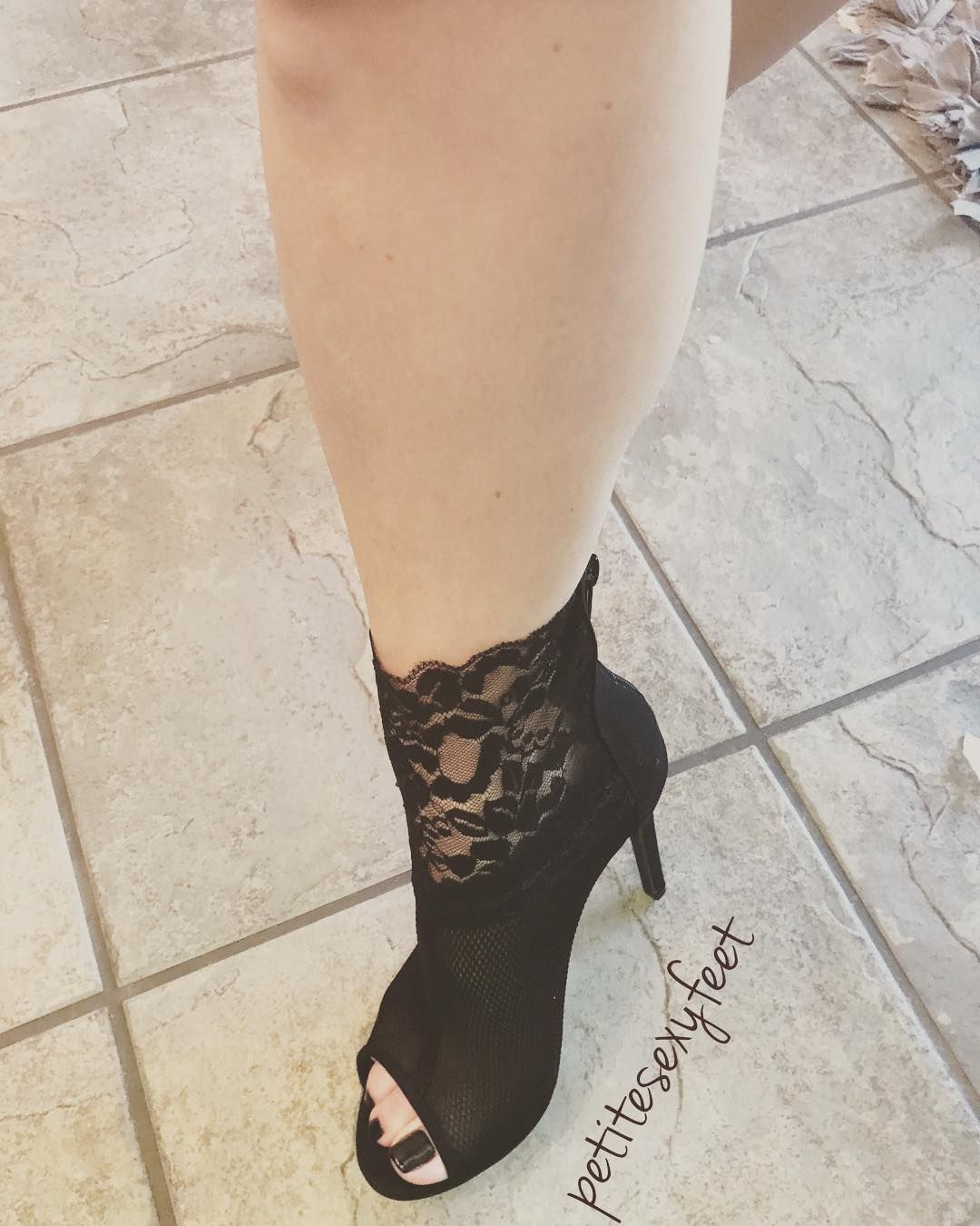 4ef5460416bf Find this Pin and more on Heelicious by Ty McClain. Tacchi Peep Toe
