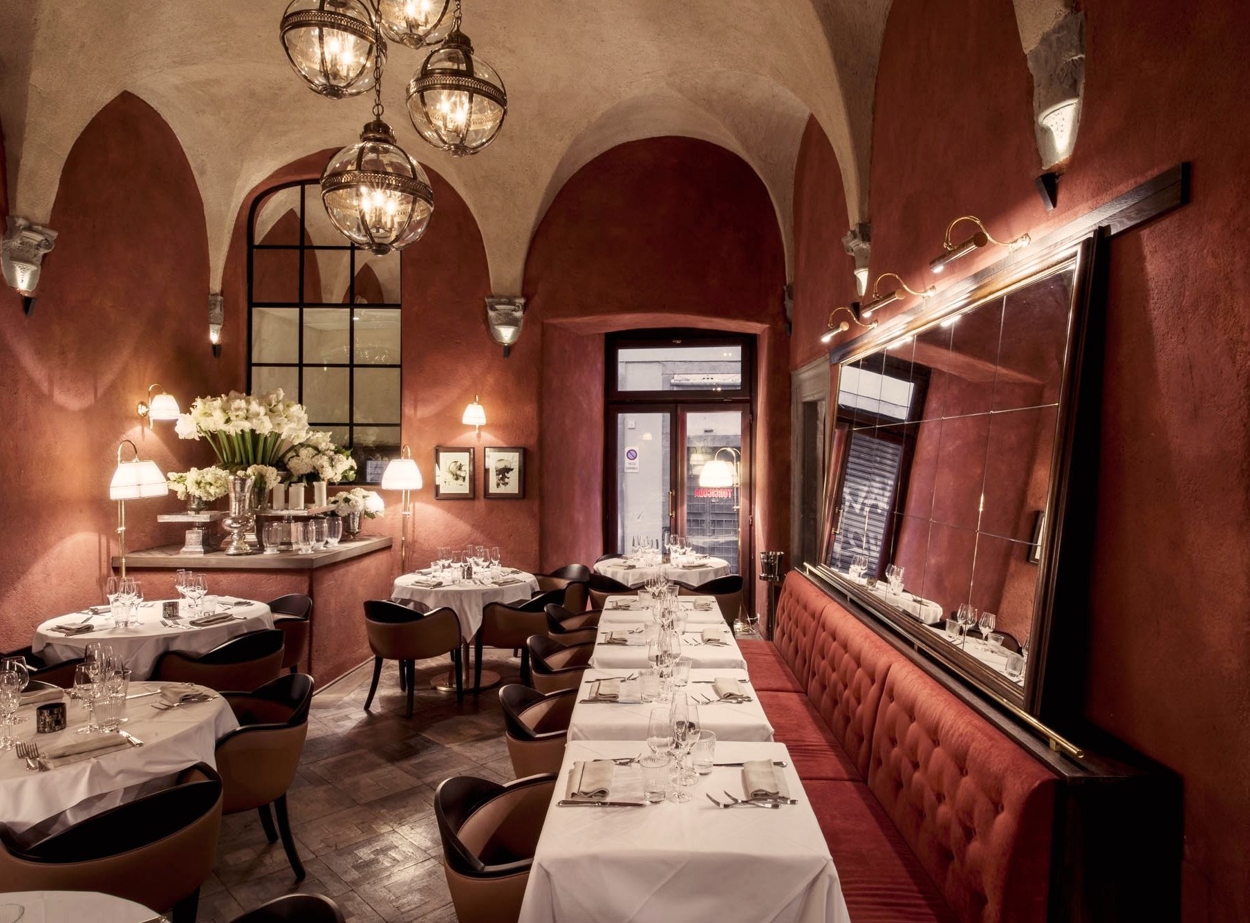 Cool club and restaurant in Florence Colle Bereto project by Luigi Fragola Architects Lui ragola designrestaurant club Tablesetting