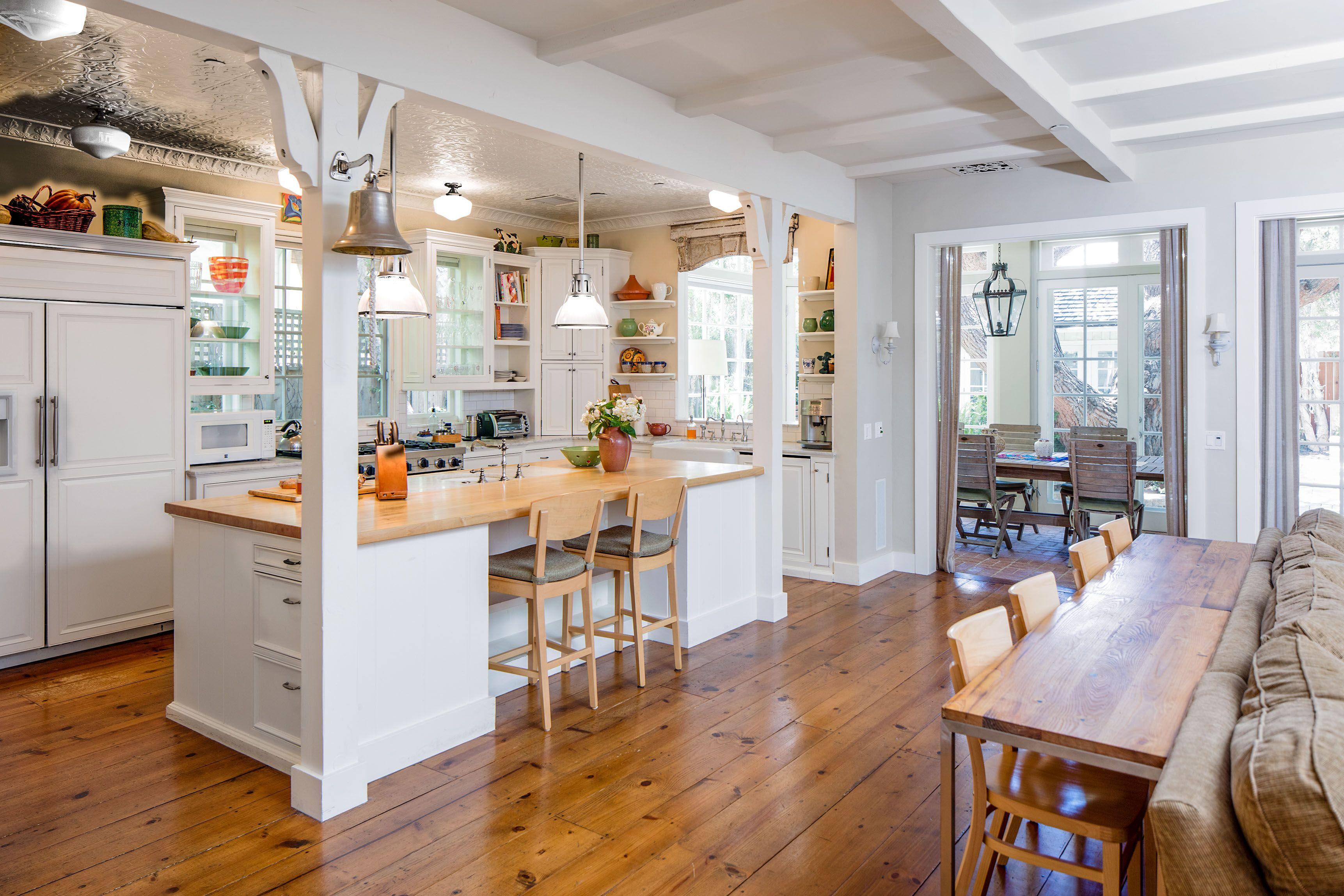 Santa Monica Home With Heavenly Backyard Asks 5 25m Bungalow Kitchen Home Kitchen Inspirations M kitchen santa monica
