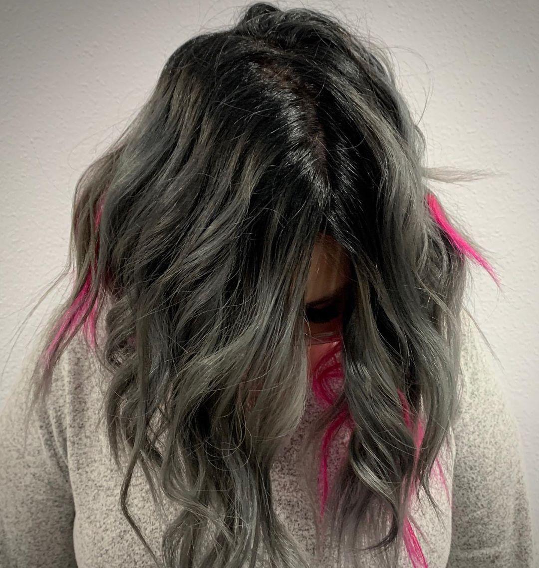 Added some pop of color💗#pinkhair#silverhair#pravanavivids#beauty#hair#greathair#coloredhairgoals#milkshake#trionicshaircare#ombre#rootshadow#goodhair#brattycreations