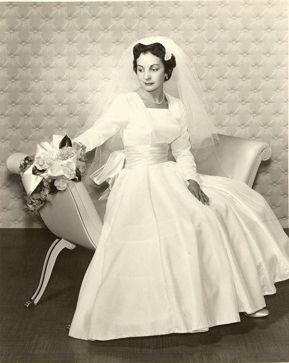 Vintage bride | Vintage Bride | Pinterest | Vintage hochzeit ...