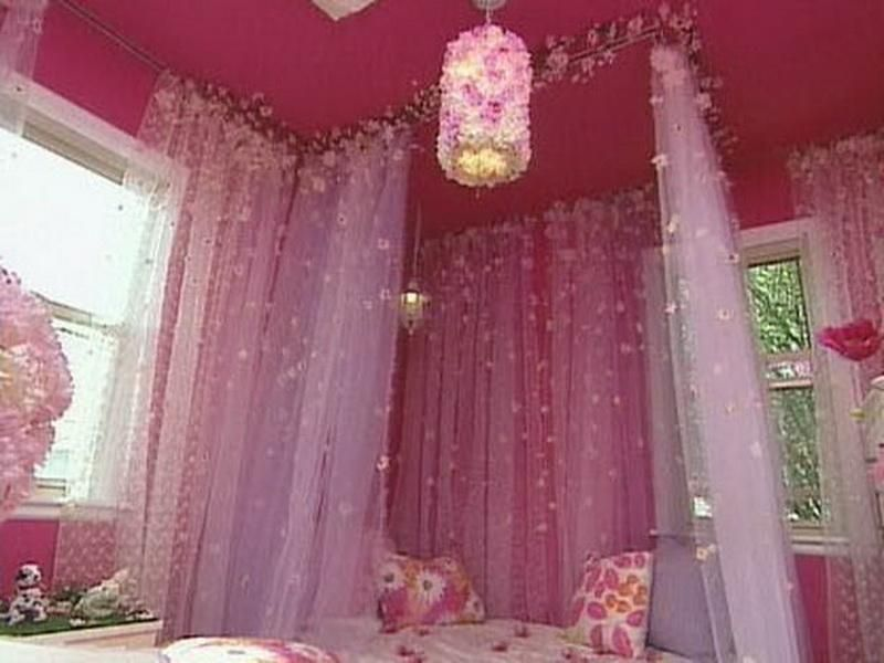 girls canopy bed with sparkles & Diy Canopy Bed Floral Design | For the Home | Pinterest | Diy ...