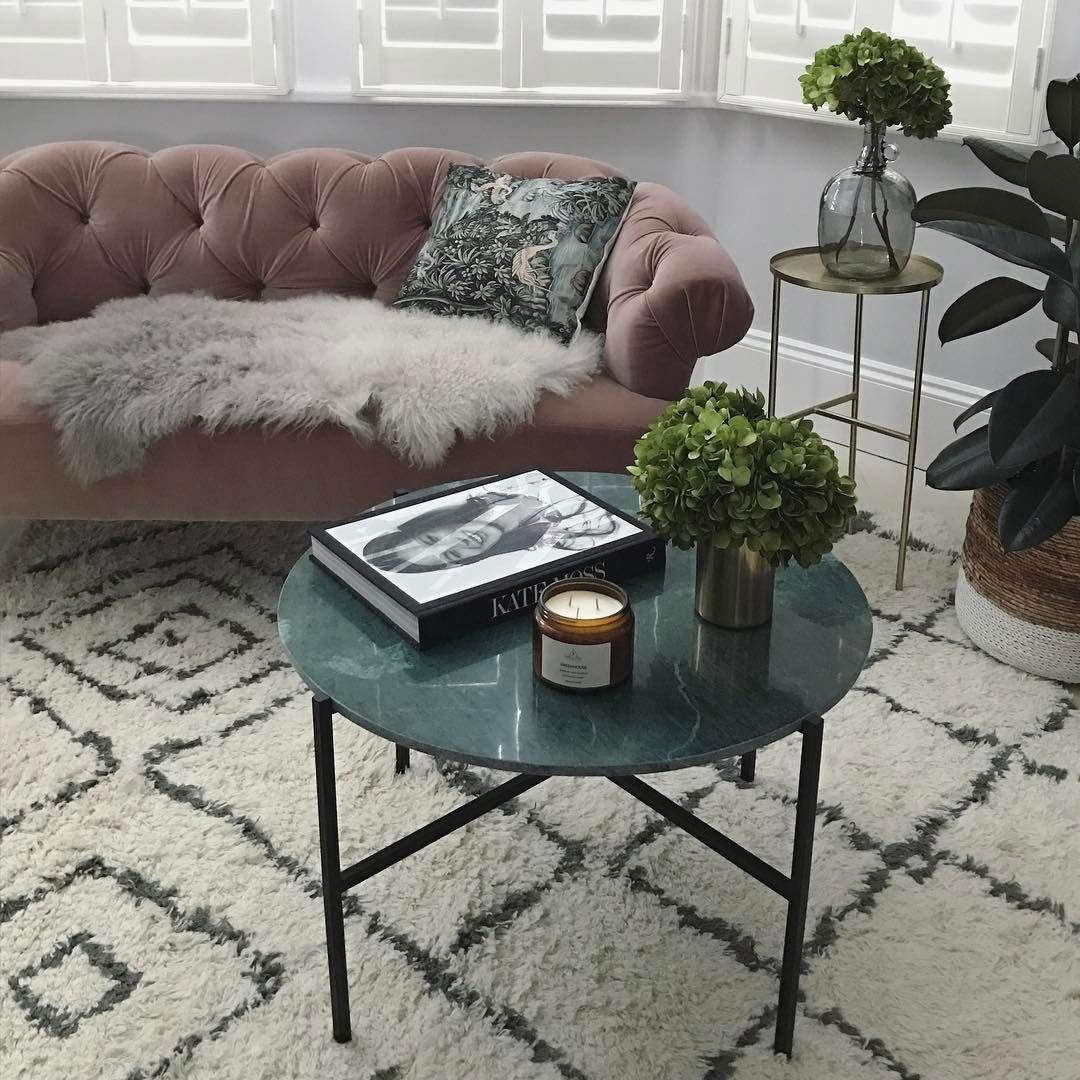Living Room Ideas Let S Fall In Love With These Marble Coffee Tables Www Livingroomidea Living Room Coffee Table Marble Coffee Table Table Decor Living Room
