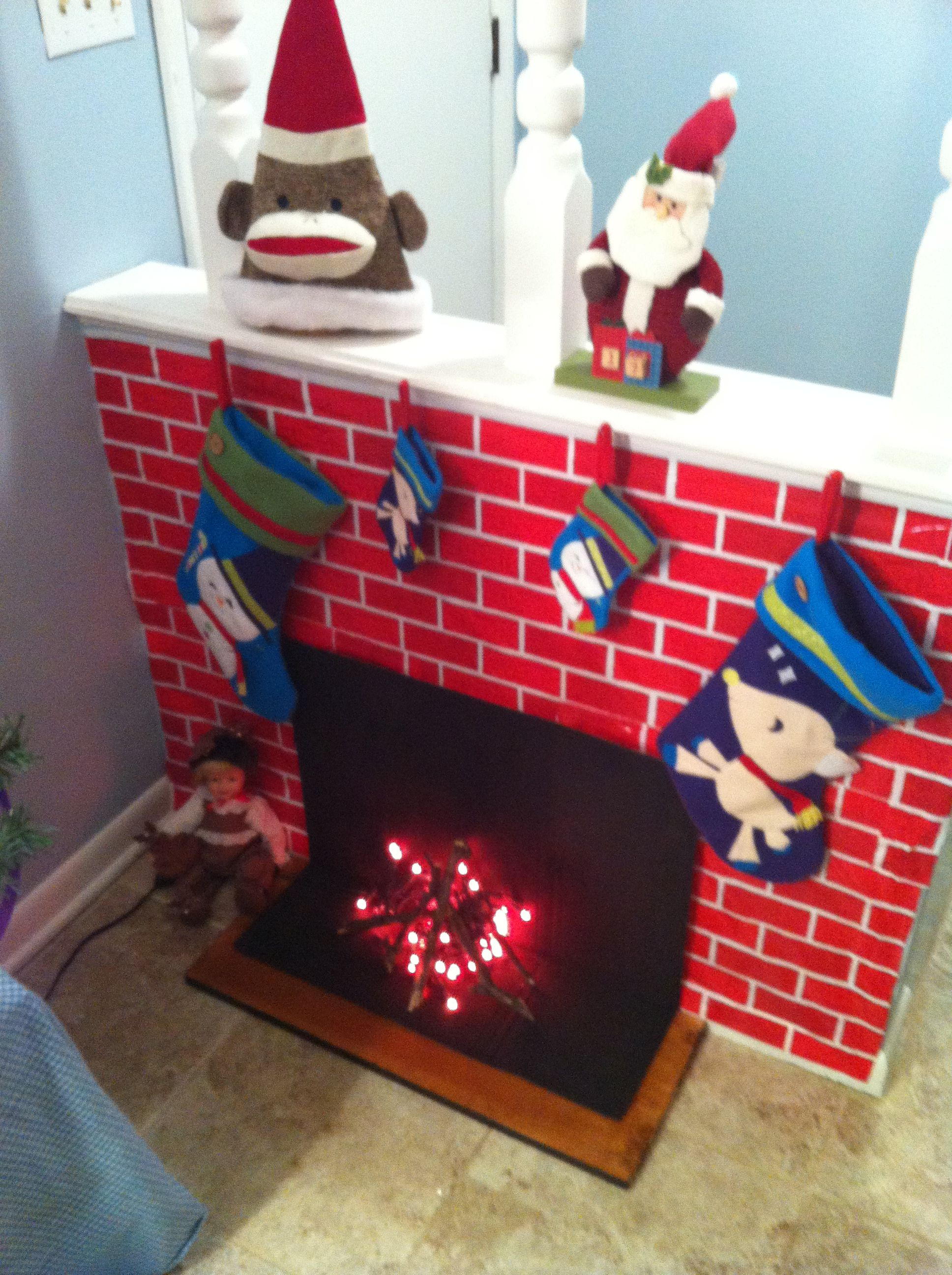 Faux fireplace out of paper Nadal Pinterest