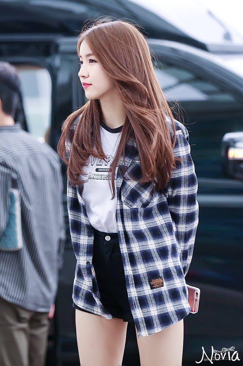 Imagem Embutida Gaya Model Pakaian Korea Model Pakaian Asia Gaya Model Pakaian