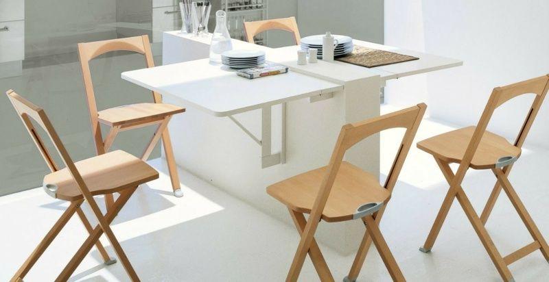 Für den Klapptisch in der Küche kann eine halbhohe Trennwand genutzt ...