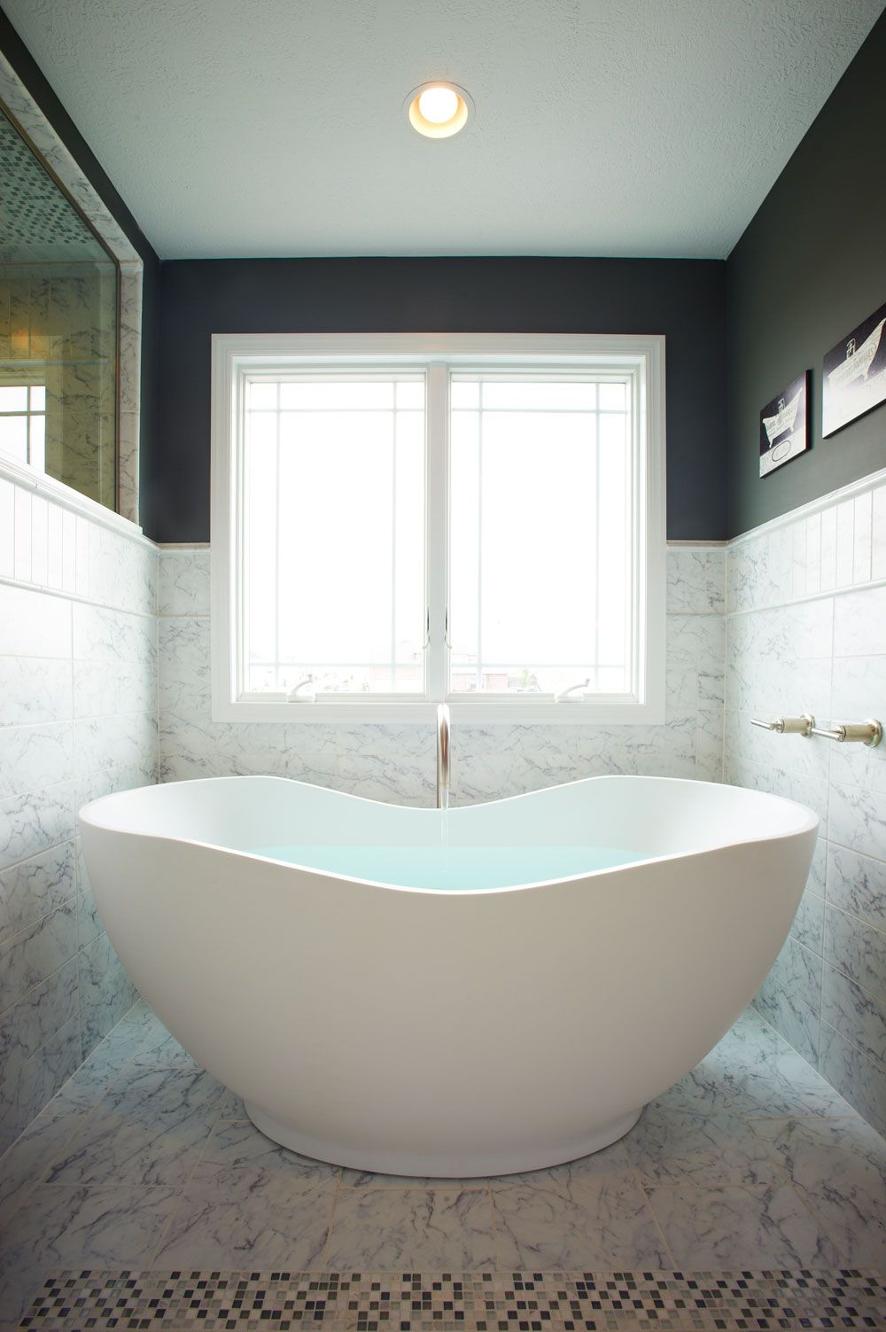 Free-Standing Tub by Kohler. Can you imagine having this. (ahhh ...