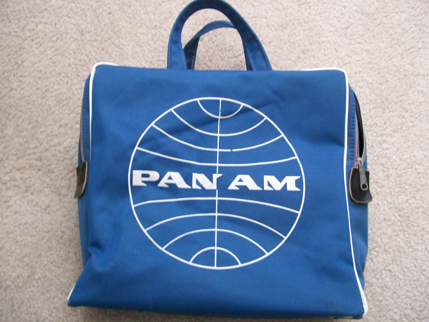 8d98d182fe Vintage Pan Am Airlines Flight Bag   Travel Bag   Carry On 1960 s ...