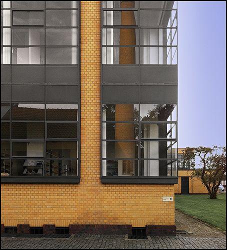 Walter gropius adolf meyer fagus werke 2 architecture pinterest arquitectura - Arquitectos de interiores famosos ...