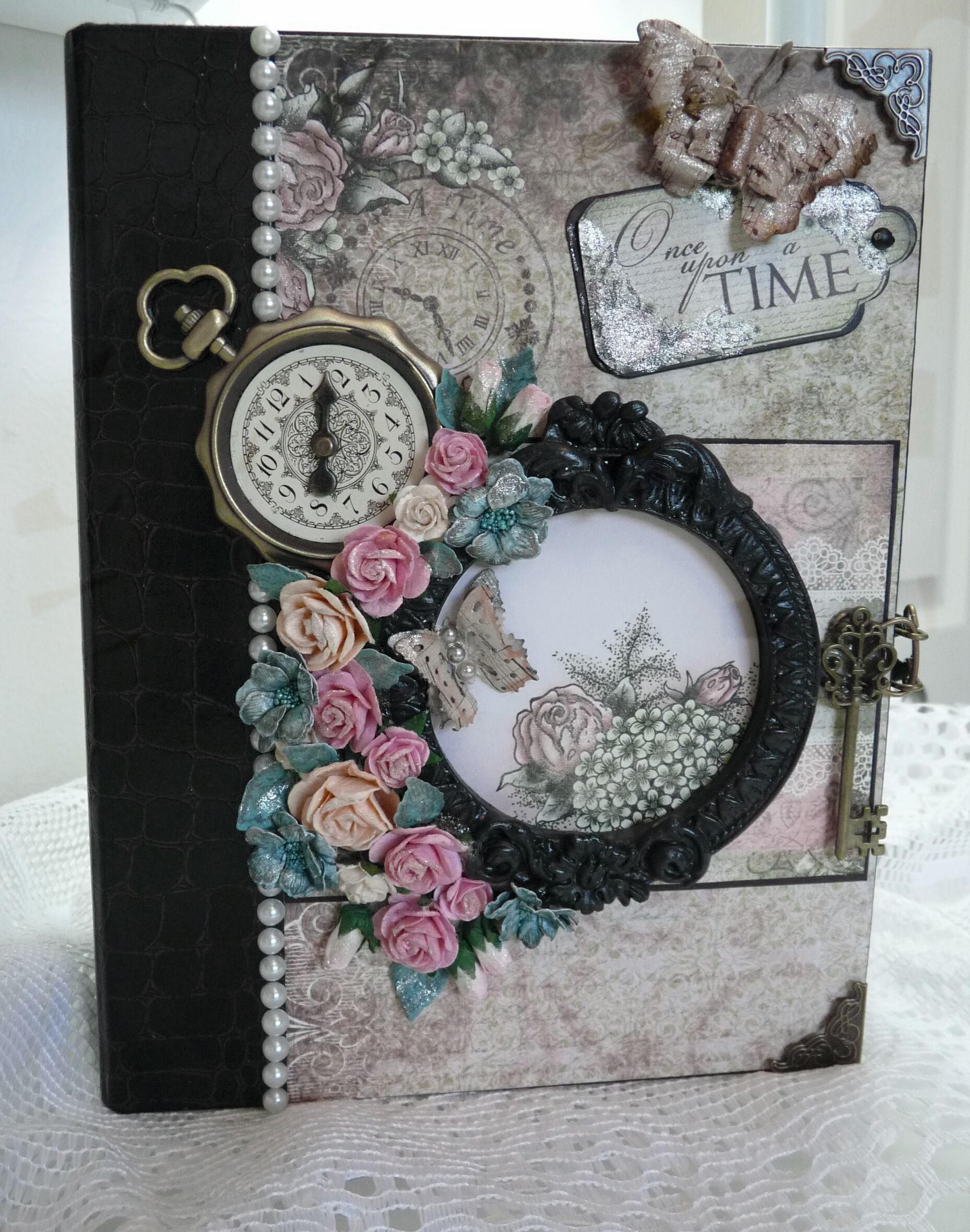 Scrapbook ideas mini books - Heartfelt Creations Once Upon A Time Mini Album Scrapbook