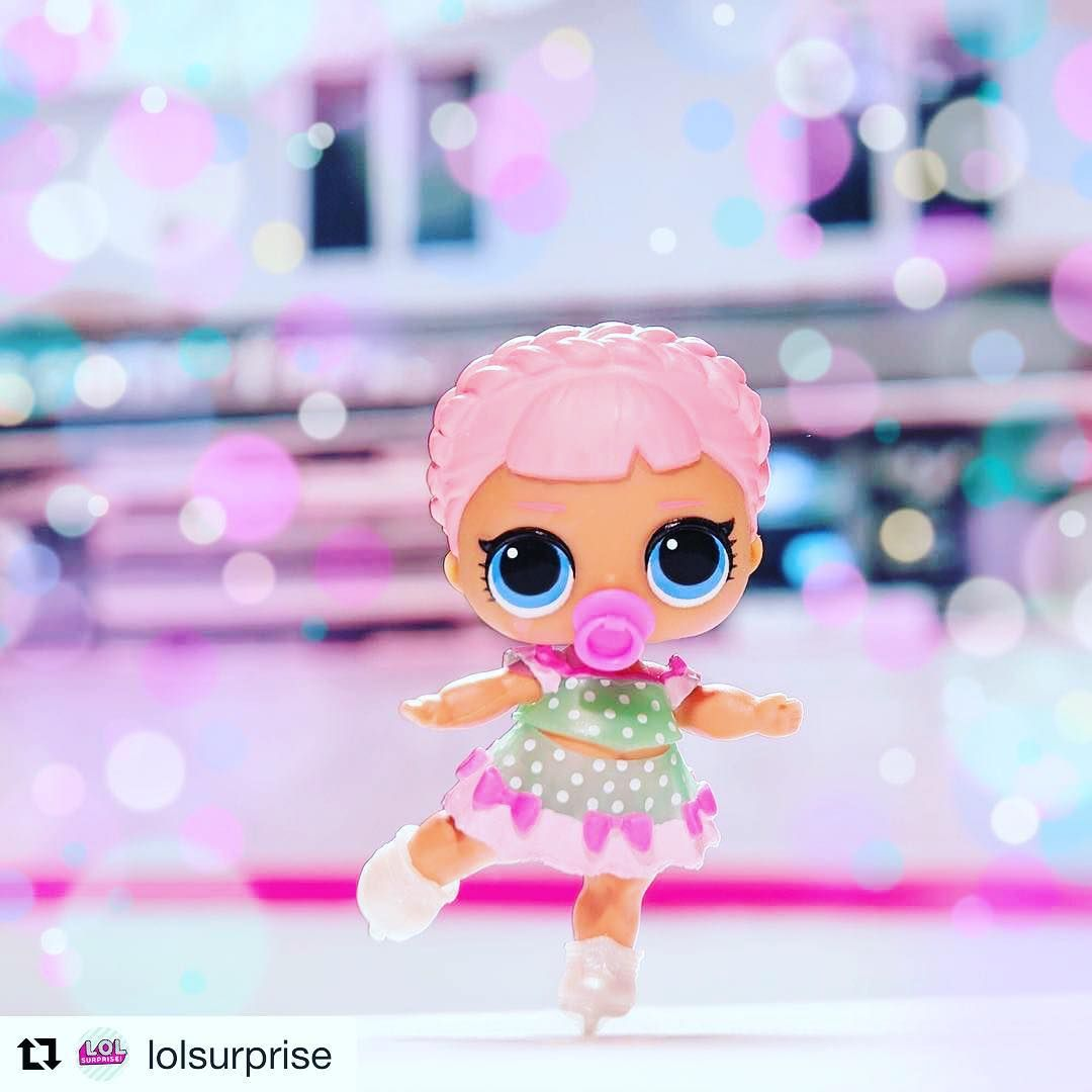 What A Beauty Repost Lolsurprise Get Repost Ice Sk8er Is Dreaming Of A Snowy Christmas So She Can Ice Skate Every Day Lolsurpri Lol Dolls Lol Dolls