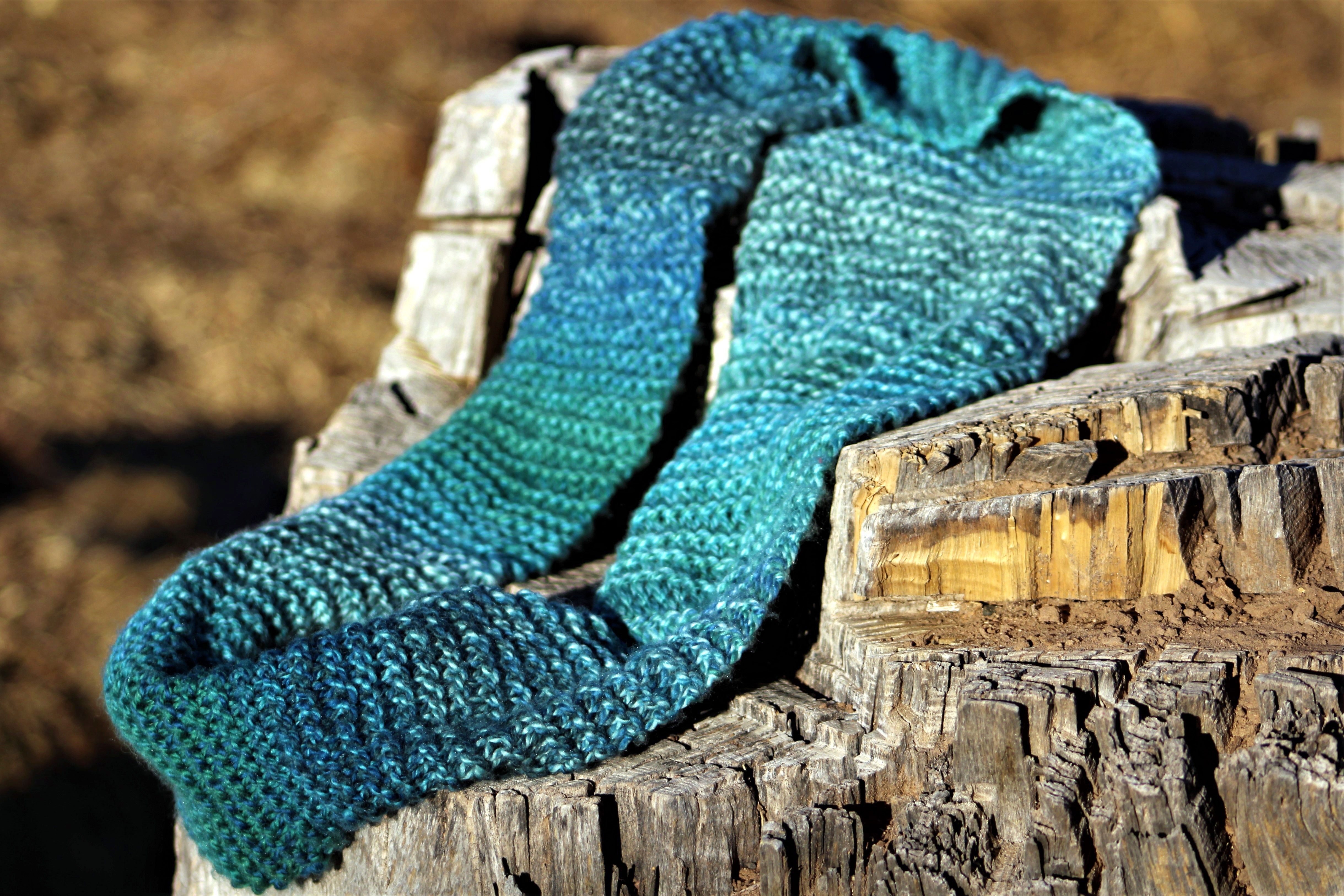 Beginner Infinity Scarf: Easy & Fast First Knitting ...