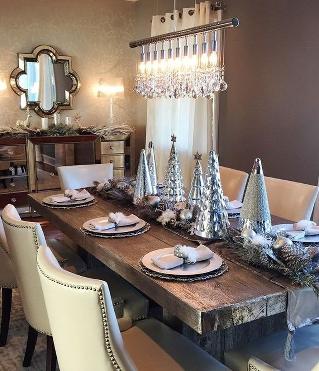 50 Beautiful Christmas Dining Room Decor Ideas Should You Apply This Winter Dining Room Table Decor Christmas Dining Table Decor Christmas Dining Table