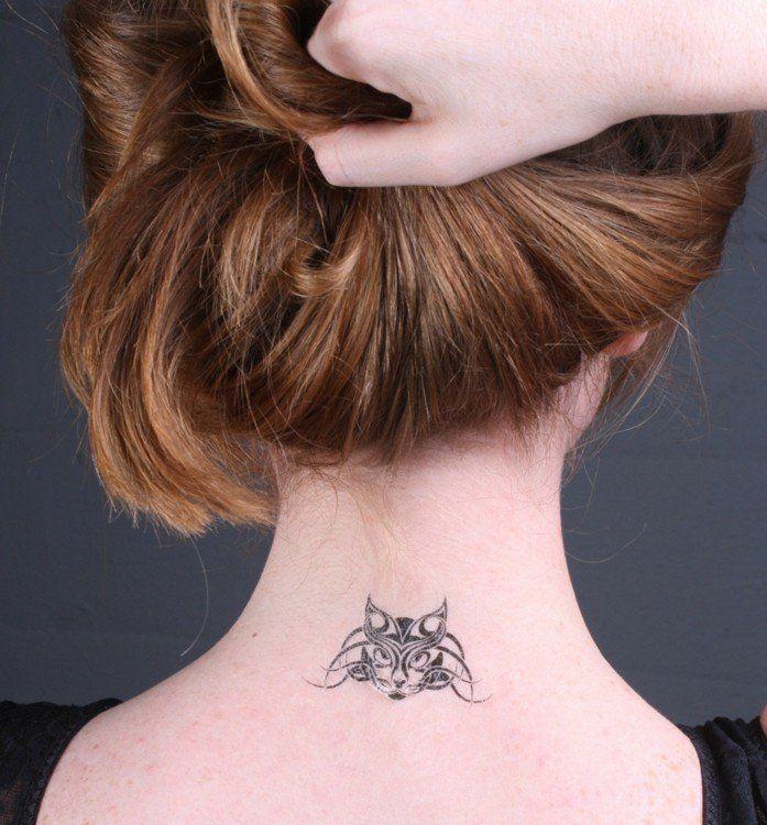 tatouage chat tribal sur la nuque tatouage femme nuque pinterest tatouage chat nuque et. Black Bedroom Furniture Sets. Home Design Ideas