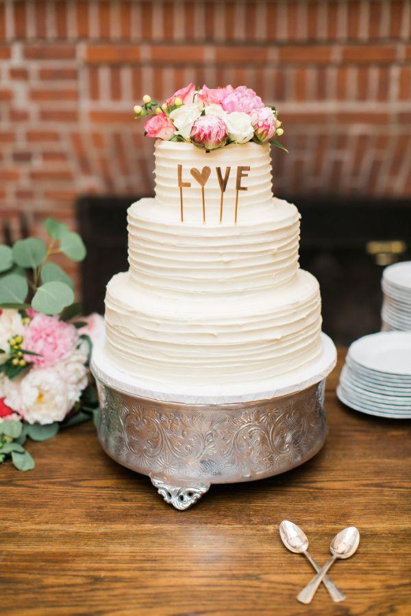 How cute is this cake: http://www.stylemepretty.com/2015/08/17/elegant-camden-yacht-club-summer-wedding/ | Photography: Ruth Eileen - http://rutheileenphotography.com/