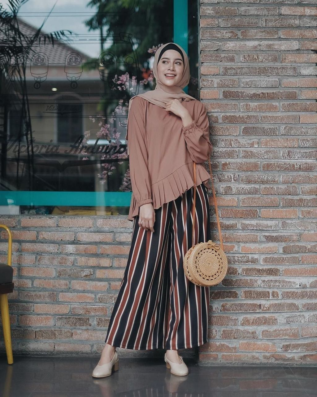 Nice 47 Combination Tricks Hijab Vintage For Women Hijab Fashion Inspiration Muslimah Fashion Outfits Muslim Fashion Outfits