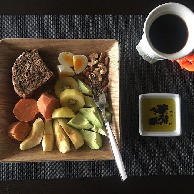 2016/11/23 11:53:15 soo0610 #아침식사 ....#건강식 #저염식 사실 요즘 인스타에 올라오는 #한국 #겨울음식 ...#과메기 도 올라오던데 ..매일밤 사진만 보고 부러워하기...😂#겨울 #즐하루 #healthy #健康 #减肥 #运动 #workout #koreanfood #best #diet #coffee #ヘルシー  #健康