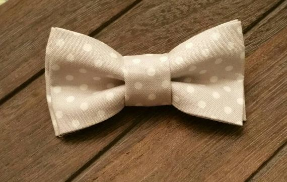 Gray & White Polka Dot Boys ClipOn Bowtie! Hey, I found this really awesome Etsy listing at https://www.etsy.com/listing/242098630/0-2t-gray-white-polka-dot-clip-on-bowtie