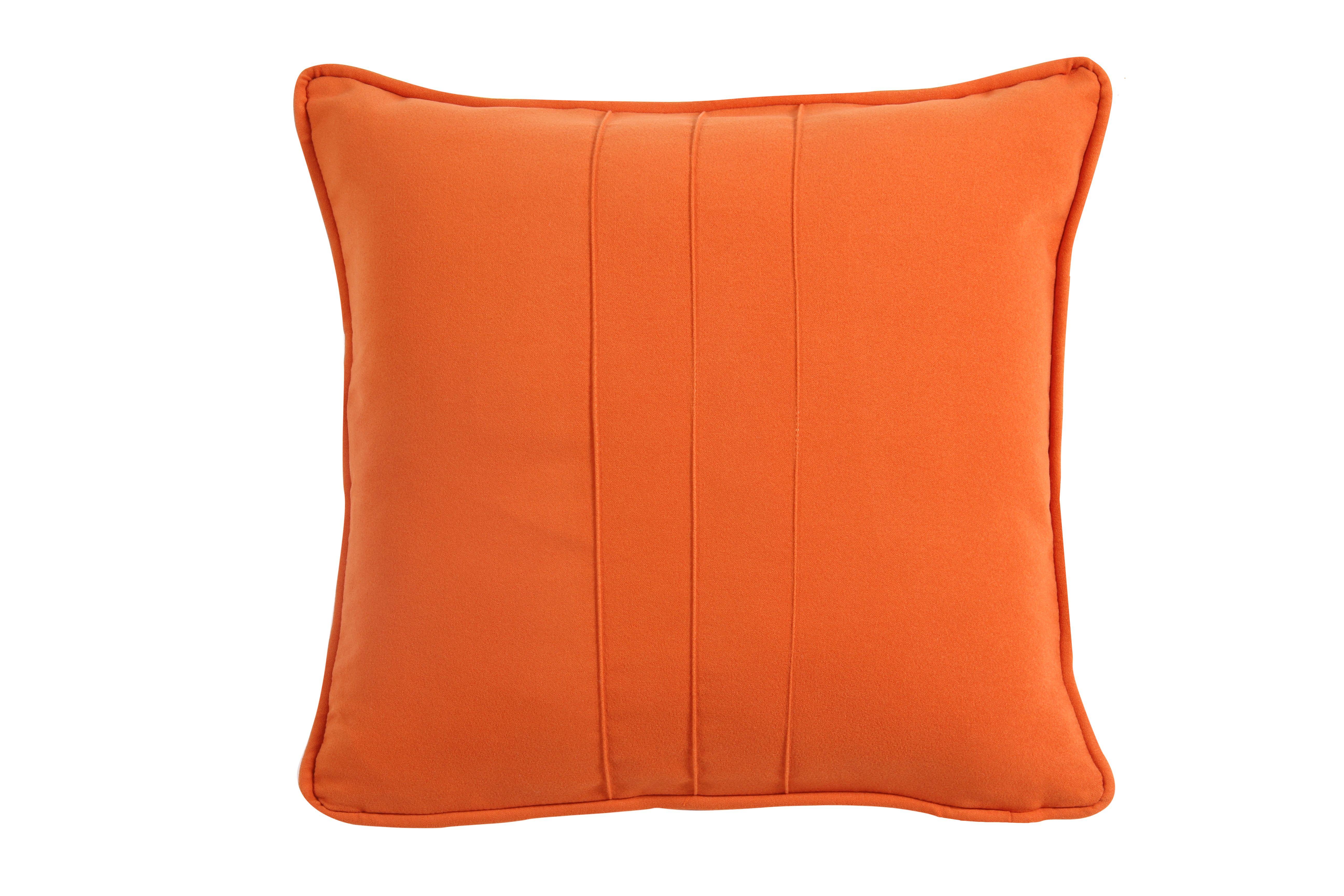 El Toque De Naranja Brillante En Estos Cojines Alforzados  # Muebles Piel De Durazno
